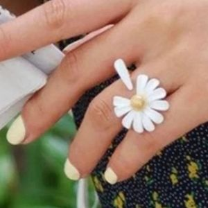 Kate Spade Ring Into The Bloom NWT Daisy Jewelry